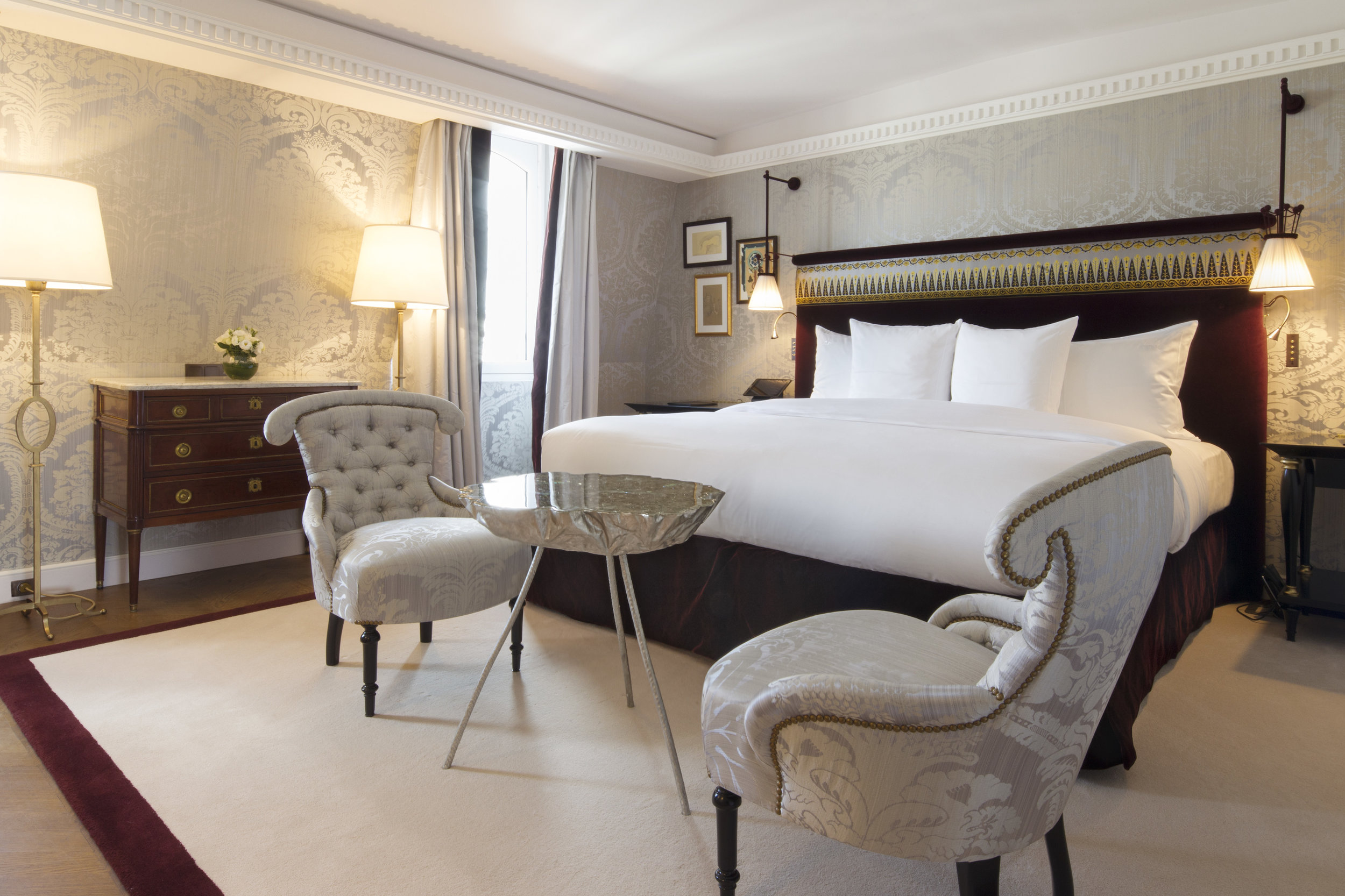 La Réserve Hotel & Spa - prestige suite bedroom - Crédits photo G. Gardette - La Réserve Paris.jpg
