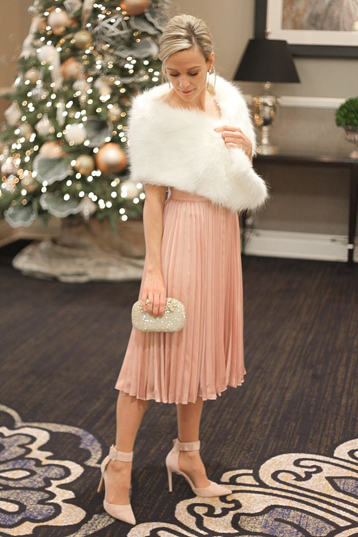 Christmas Concealed Carry Outfit . Party . Pink Pleated Dress . Faux Fur Boa_0158.jpg
