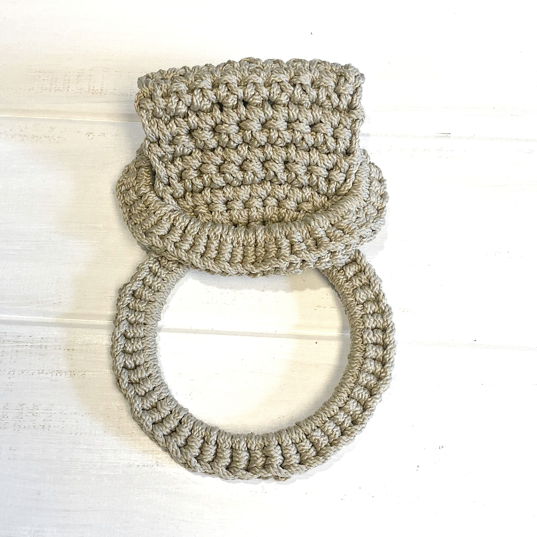 Herbal Tea Towel Ring - Crochet Pattern - The Roving Nomad