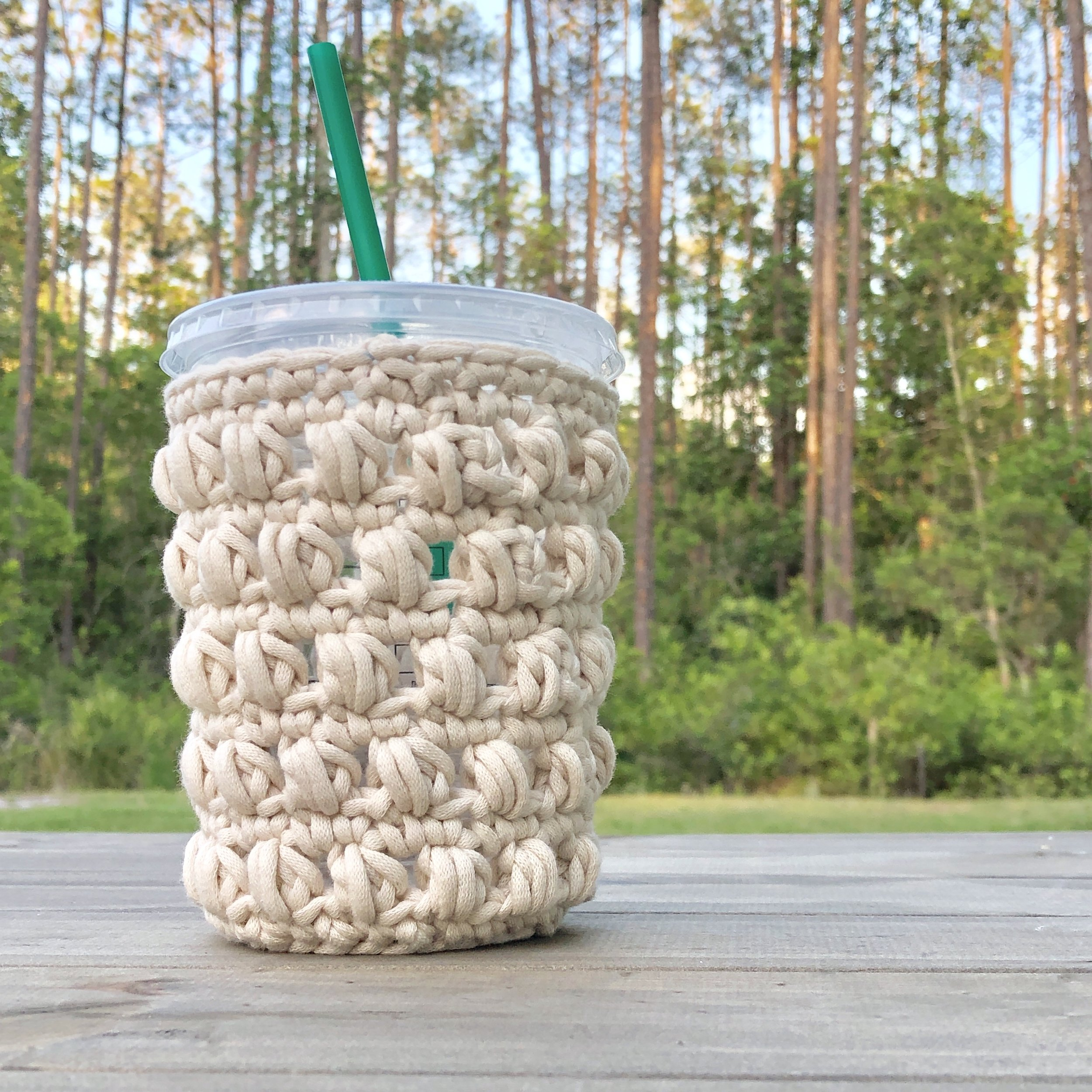 White Bluffs Medium Grande Iced Coffee Cozy - Crochet Pattern - The Roving Nomad