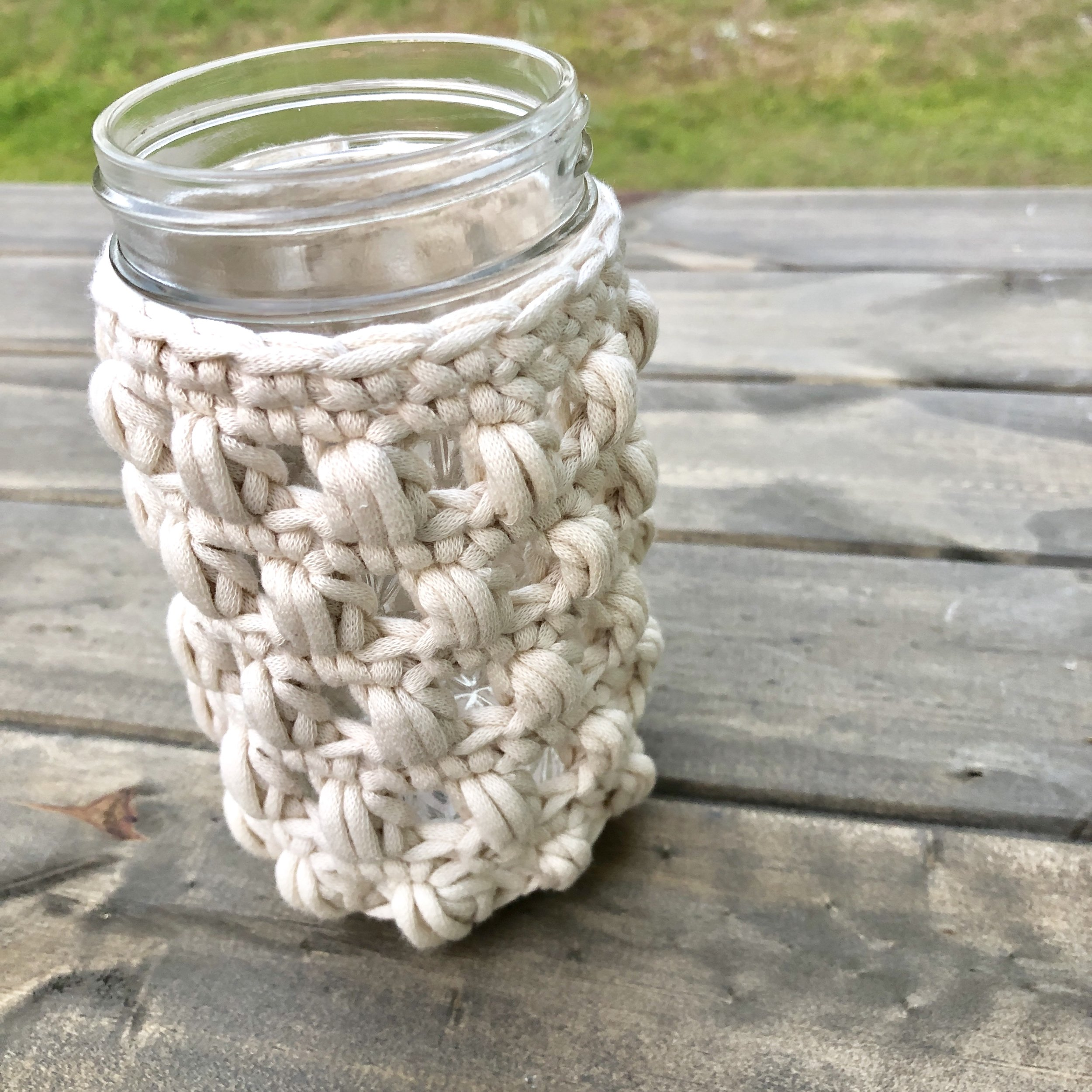 White Bluffs 12 Ounce Mason Jar Cozy - Crochet Pattern - The Roving Nomad
