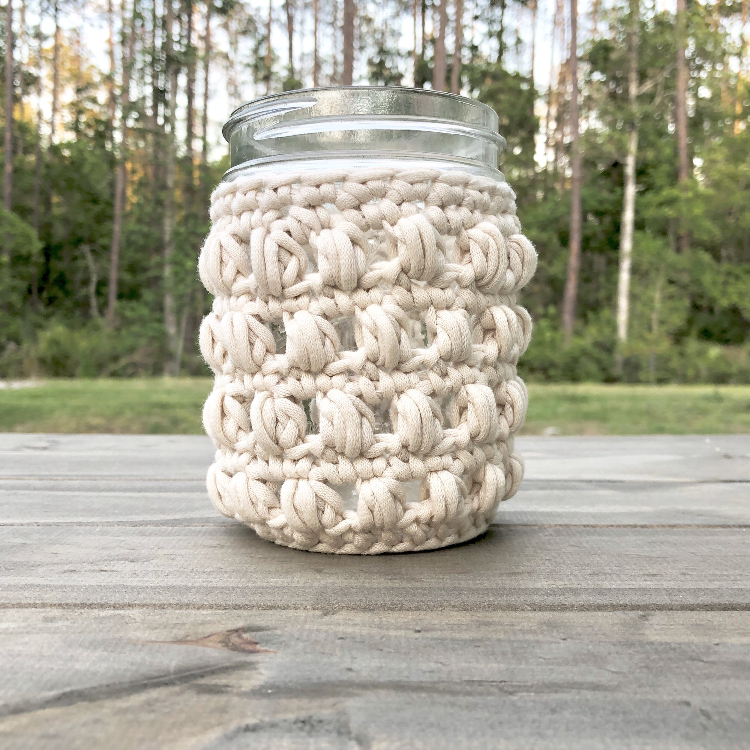 White Bluffs 16 Ounce Mason Jar Wide Mouth Cozy - Crochet Pattern - The Roving Nomad
