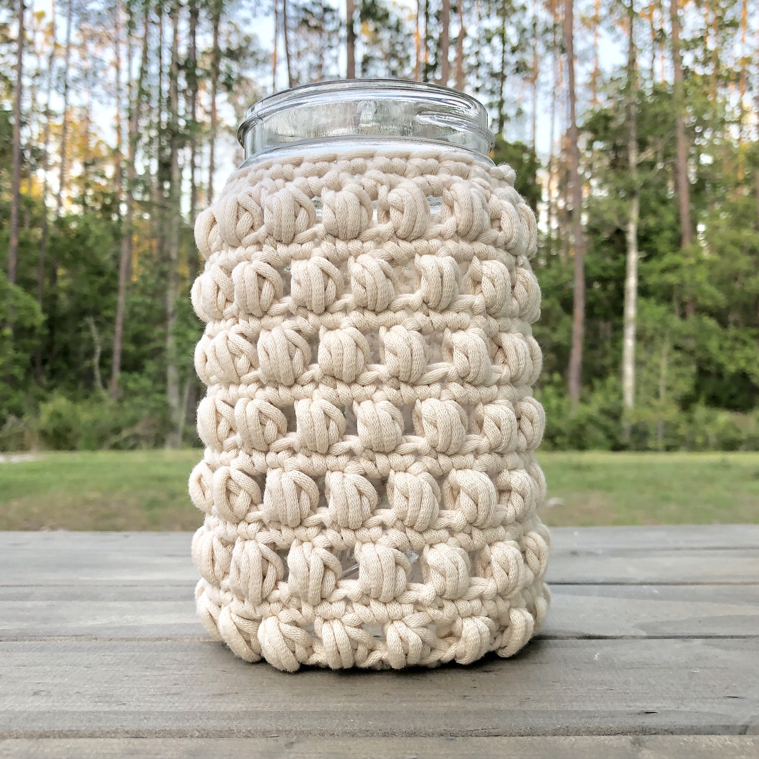 White Bluffs 32 Ounce Mason Jar Wide Mouth Cozy - Crochet Pattern - The Roving Nomad