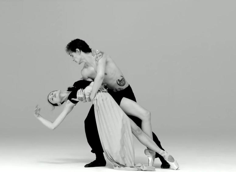 Dancing_inthe_Dark.jpg