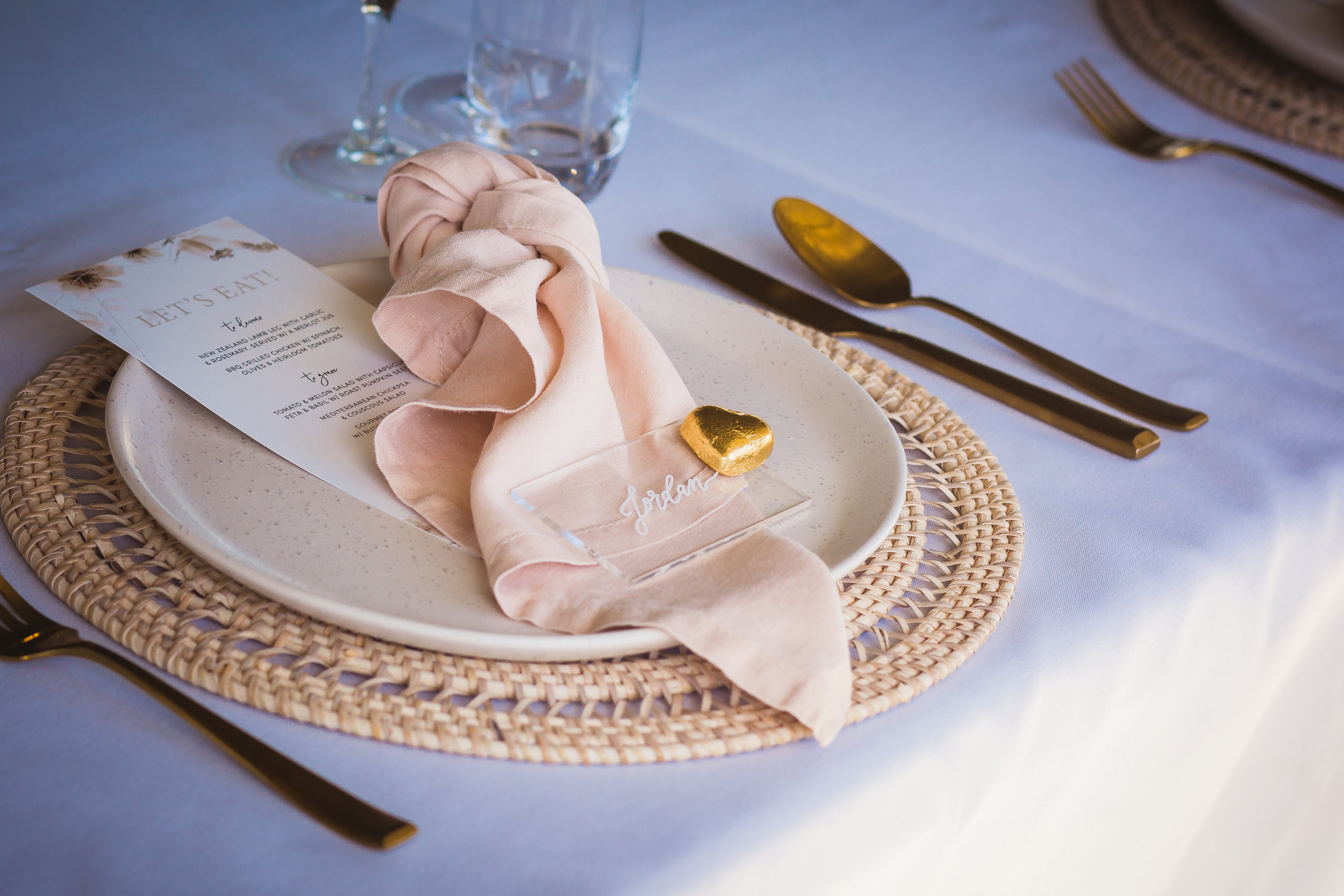 Hire this look with our    gold cutlery    &    speckled dinner plates
