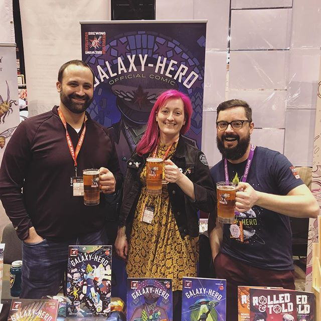 Hey C2E2! Dave Schneider is here! C'mon get those rare 3rd signatures for a very limited time. @dmschneider5 @maxbareart @cicada_season @revbrewchicago #galaxyhero