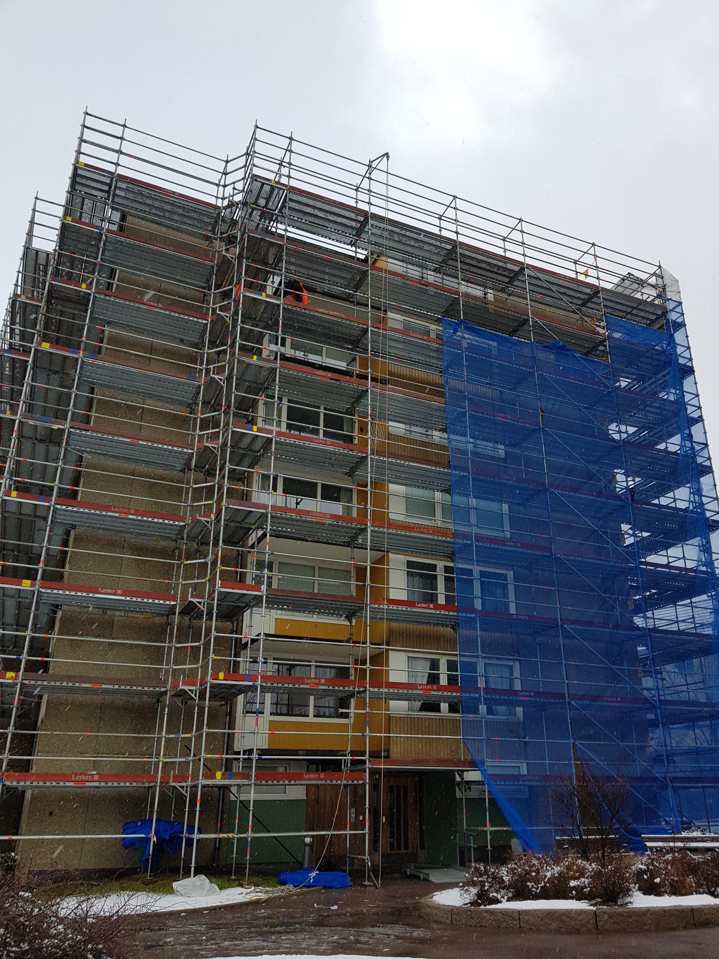 Chapmansgatan - Ett av våra hus som Walter byggde redan i slutet av 1960-talet. De första hyresgästerna flyttade in i början av 1970-talet och än idag har vi flertalet hyresgäster som bor kvar sen början. Under 2018 började vi med att renovera fasaderna och väntas vara klara 2019.