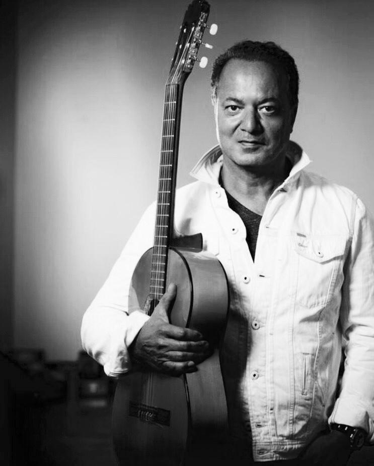 Shahin w: guitar.jpg