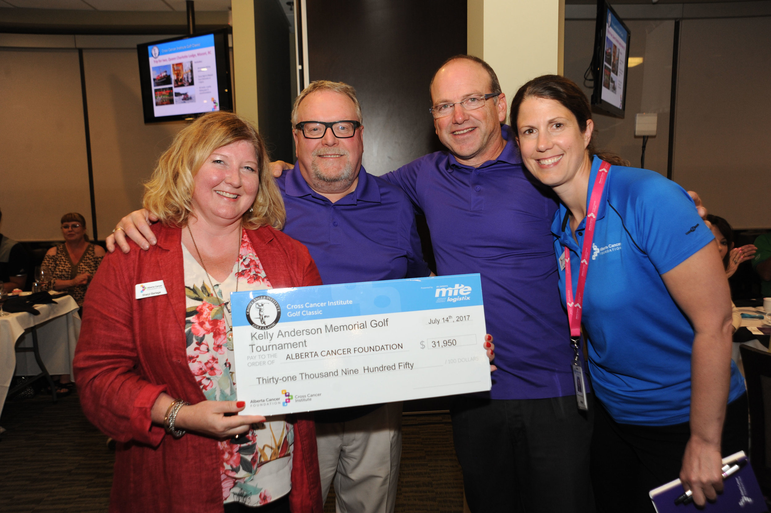 __Kelly Anderson Memorial Golf Tourney Cheque Presentation.jpg