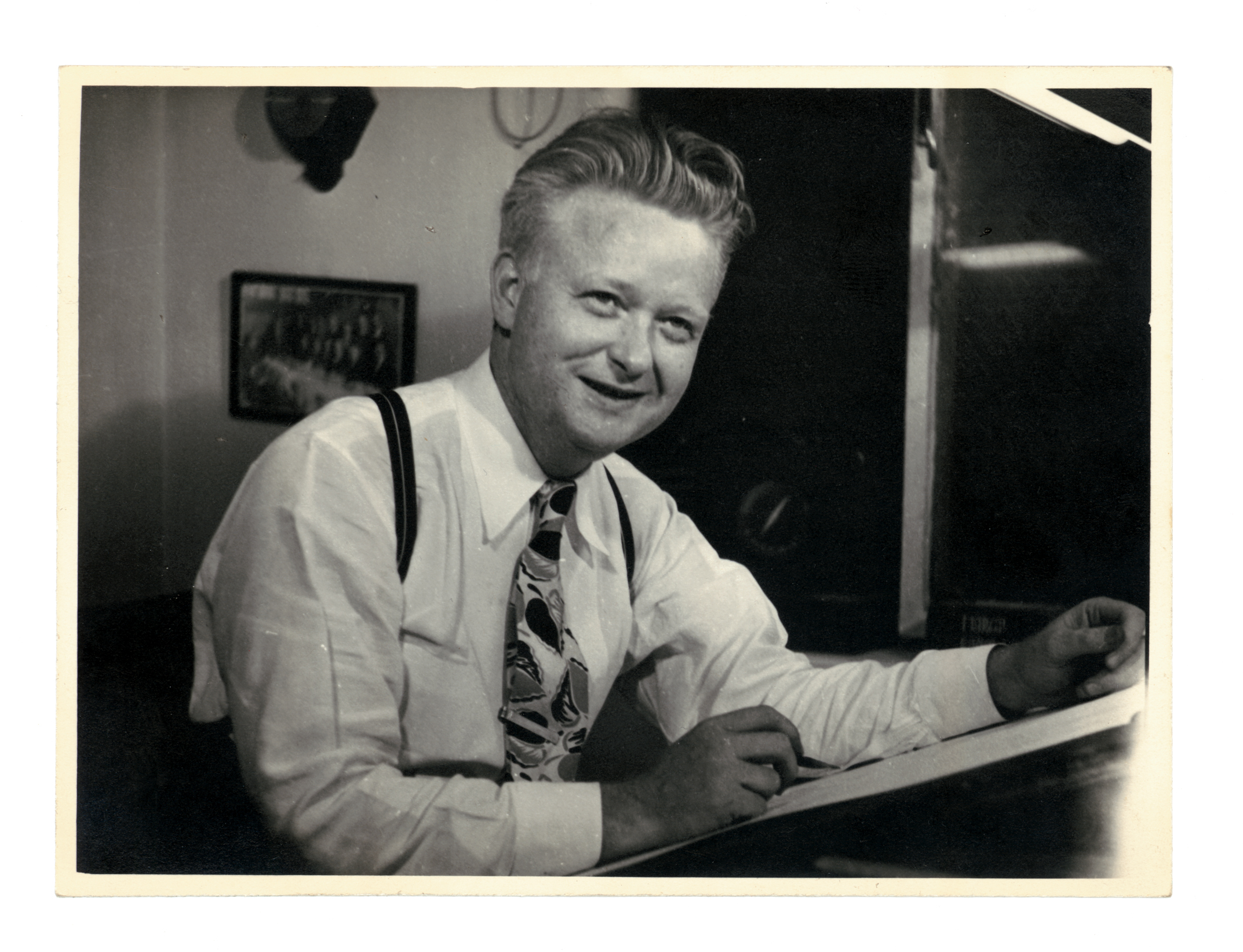Ernie Bushmiller in the 1940s (click to enlarge)