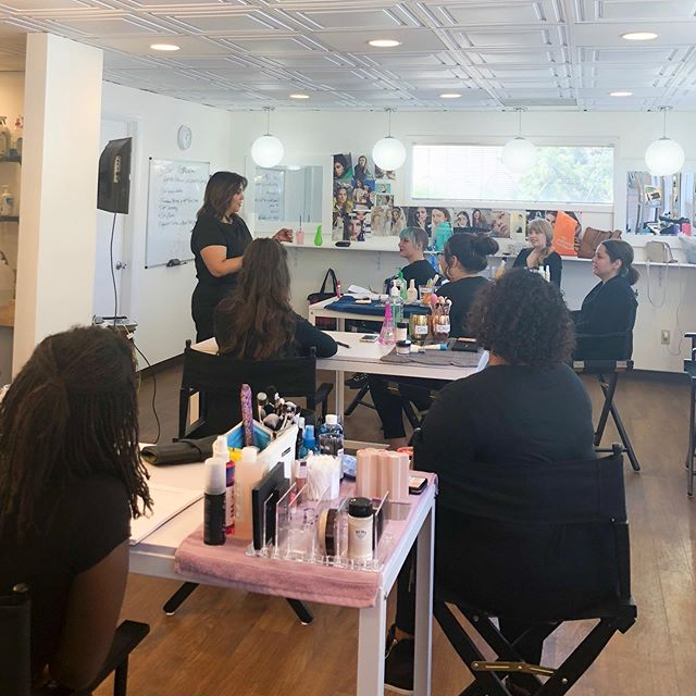 It feels SO GOOD to be back in session! We've got a full class of future MUAs 🎊 Excited to watch them grow 🌱🌱🌱 #southwestinstituteofmakeupartistry #albuquerque #newmexico