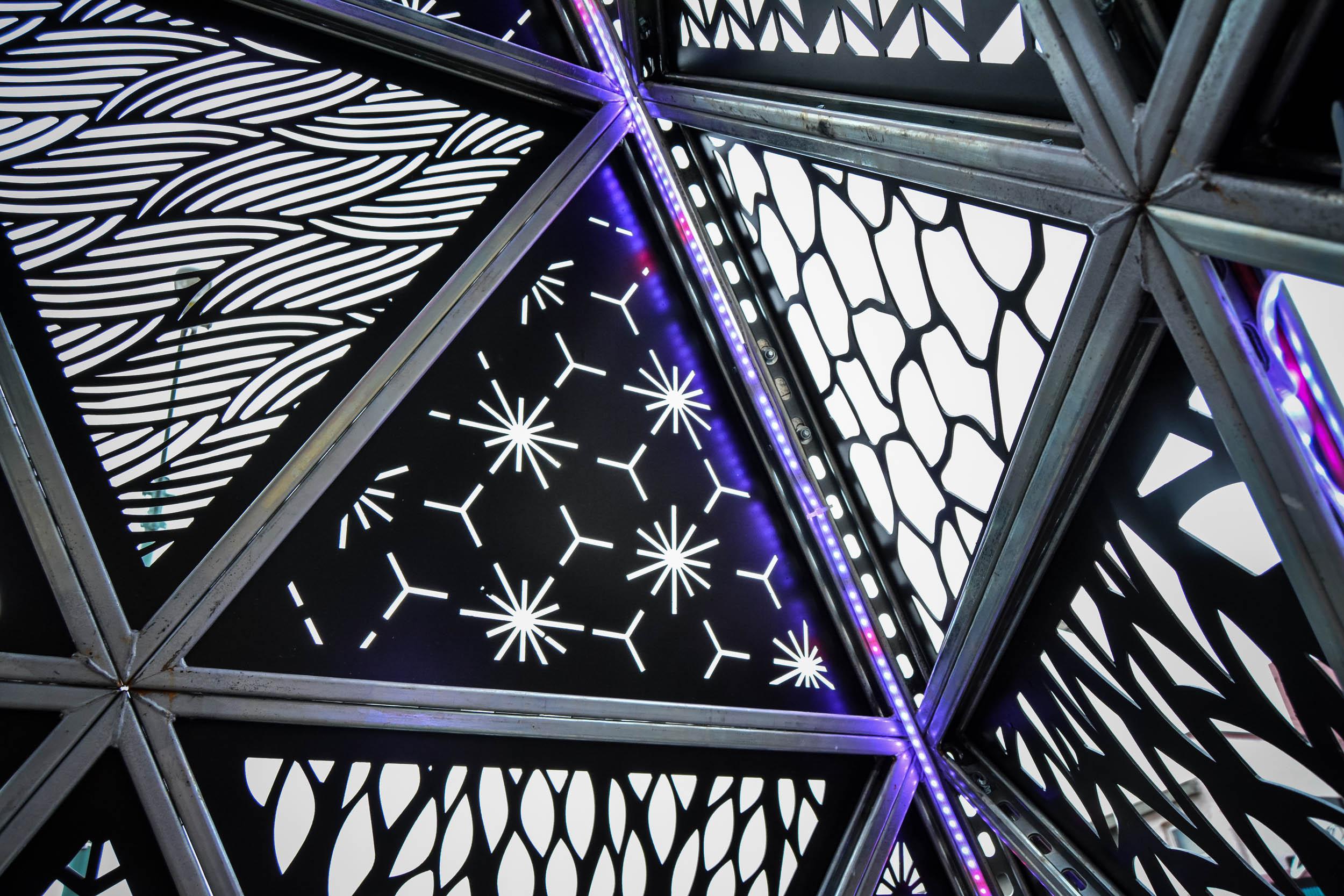 MOD 1 Tetrahedron by Christopher Reyes - Memphis Art