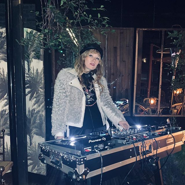 Terrace party in October 🍁 . . . #dj #london #privateparty #october #mandrakehotel #music #musicistheanswer