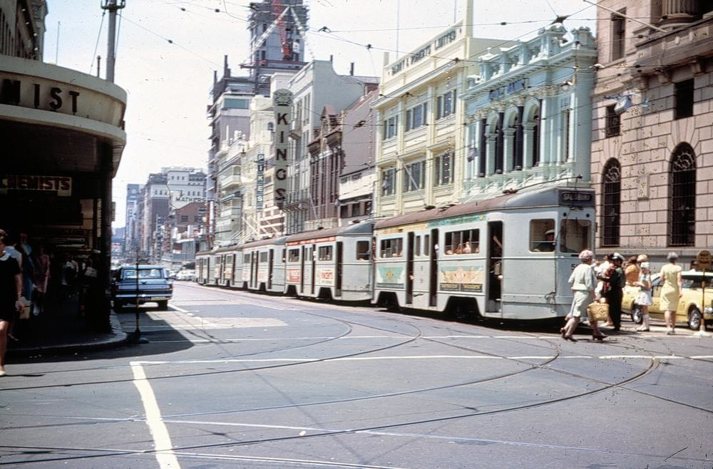 post_trams_01_Trams lined up in Queen Street 1965_fixed