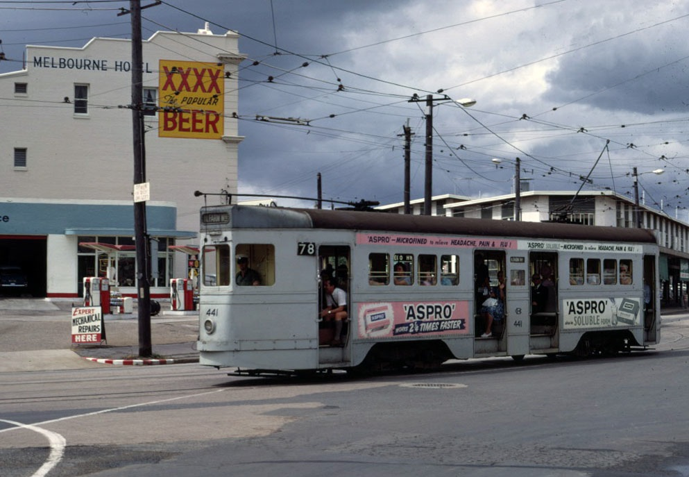 post_trams_12_BCC_441_inbnd_Melbourne_St_Feb1969_fixed