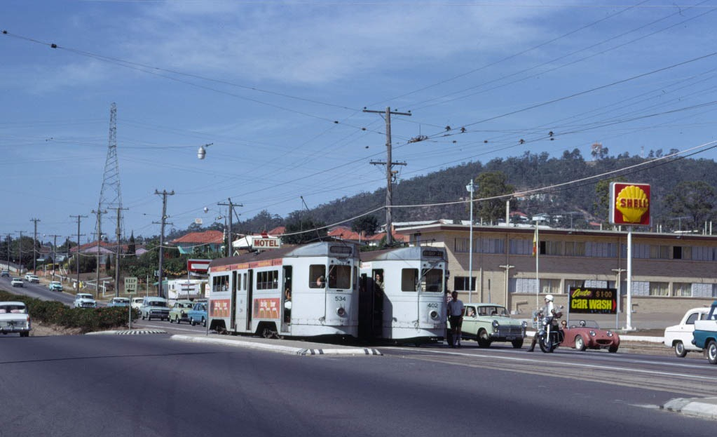 post_trams_16_BCC_534_and_402_Nursery_Road_Mt_Gravatt_13April1969_fixed