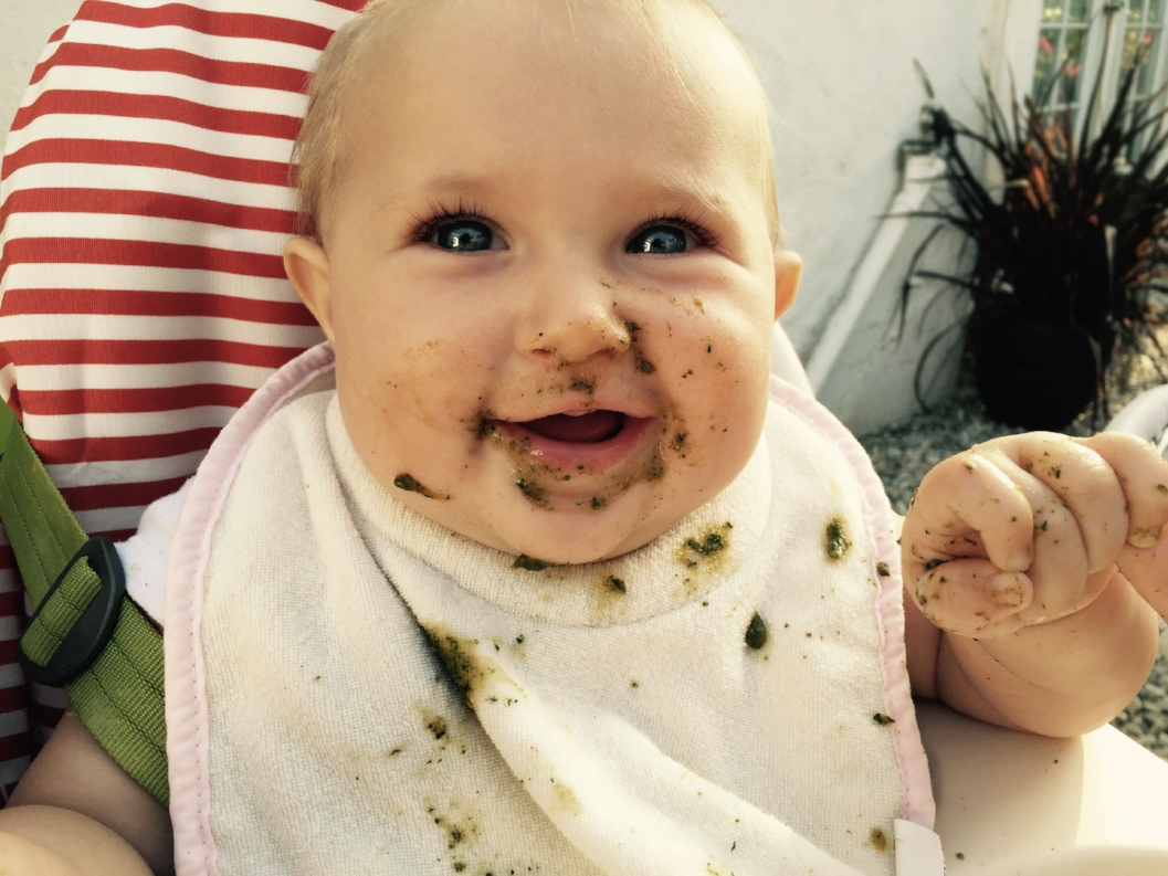 FUN: Helping you to instill in your baby a positive association with food by making mealtimes fun for both of you