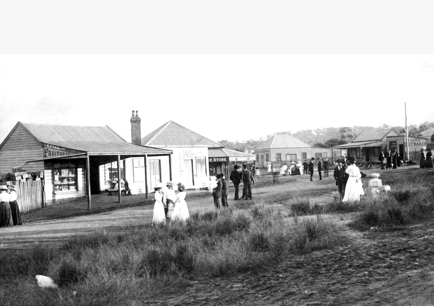 Parkes Street & Walker Street Helensburgh 1908 Courtesy of the Helensburgh and District Historical Society