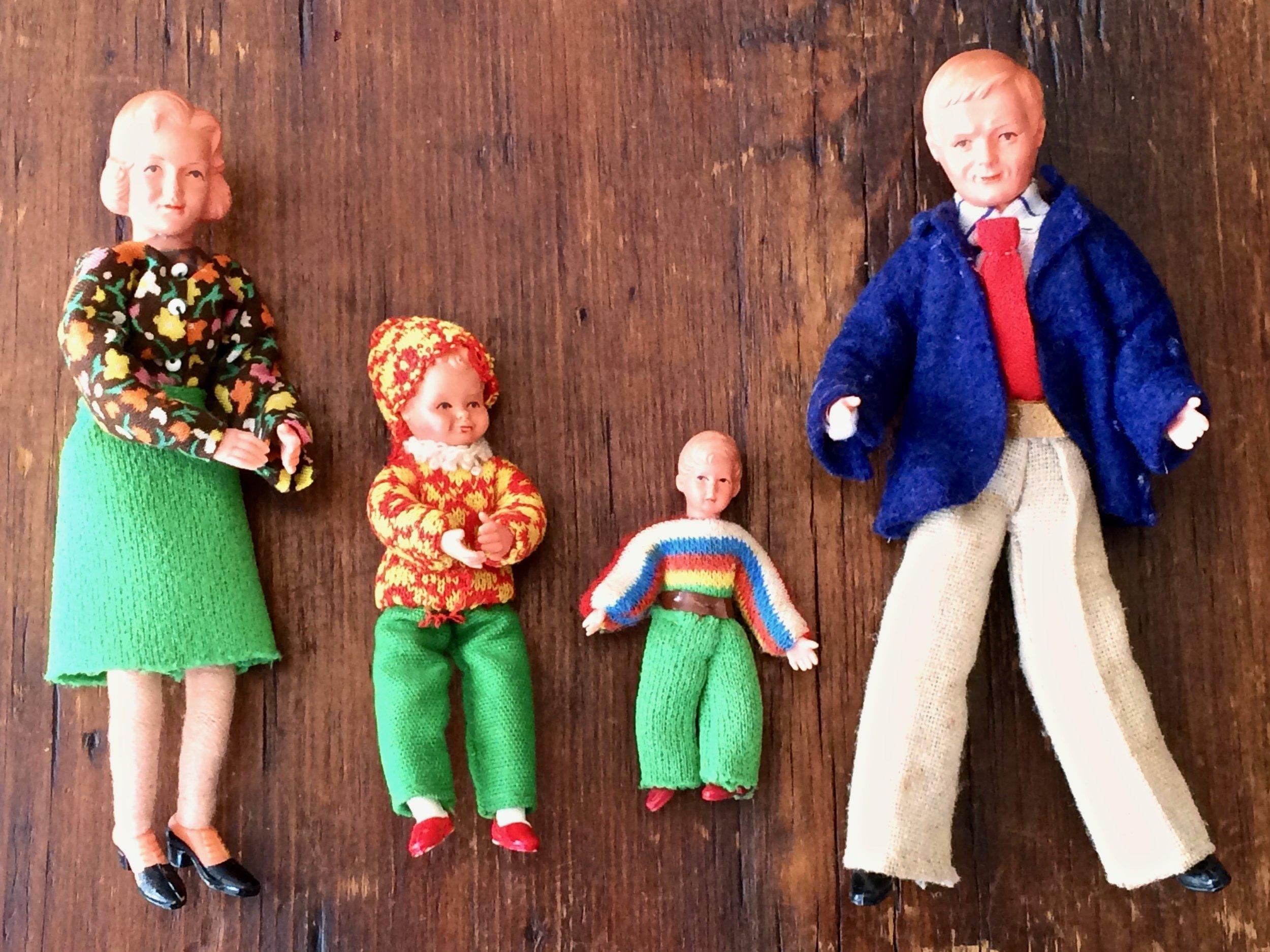 Caco Doll Family