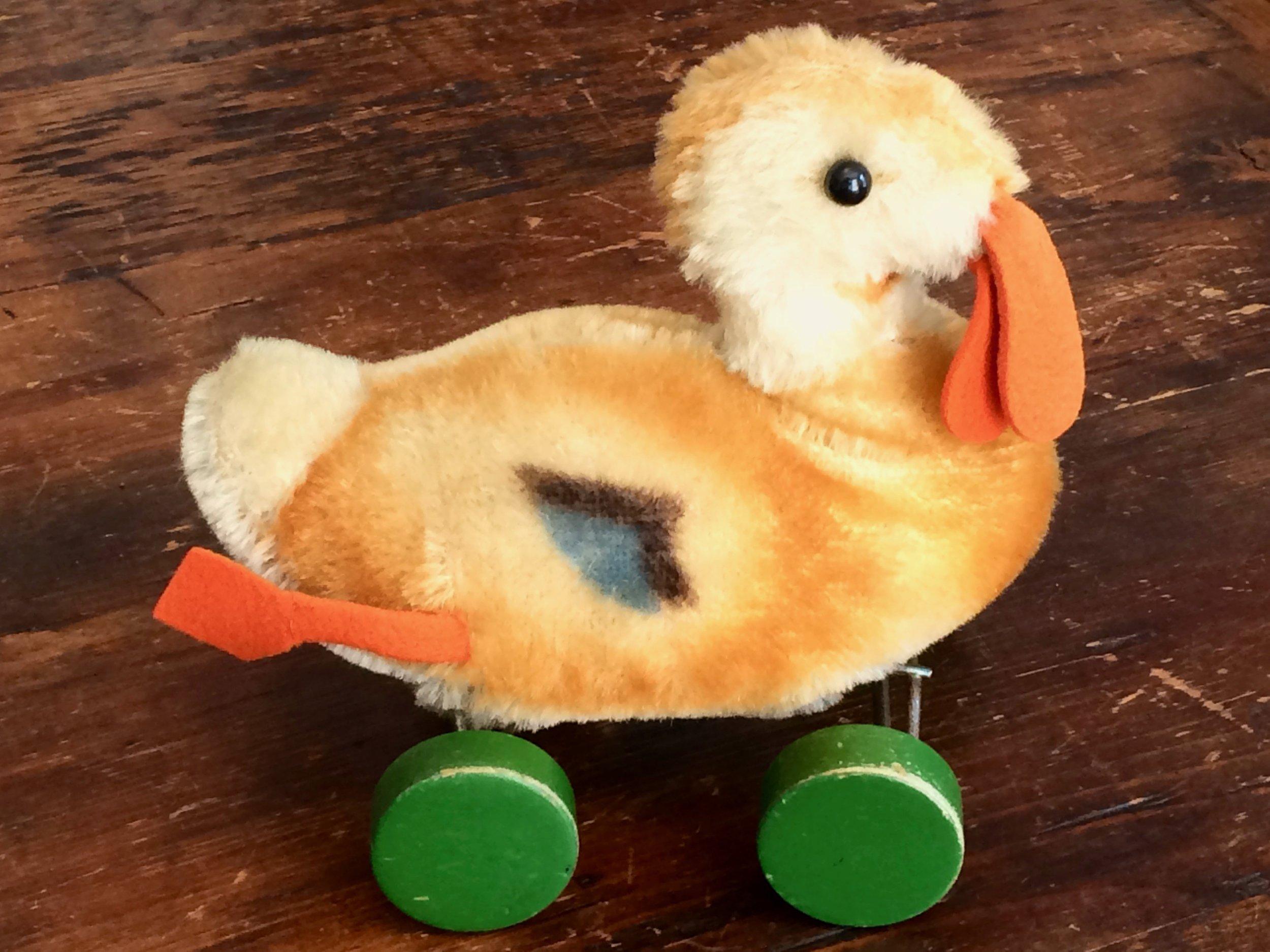 Steiff Duck on Wheels