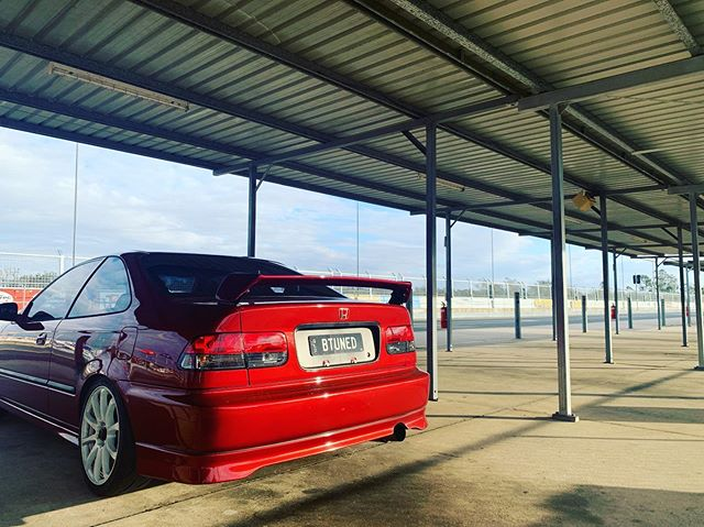 Nothing like a track day to take the #mistress out! 🏎🏎 #zoomzoom #morethanjustacar #racecar #civic #raceday #btuned #btunedqld