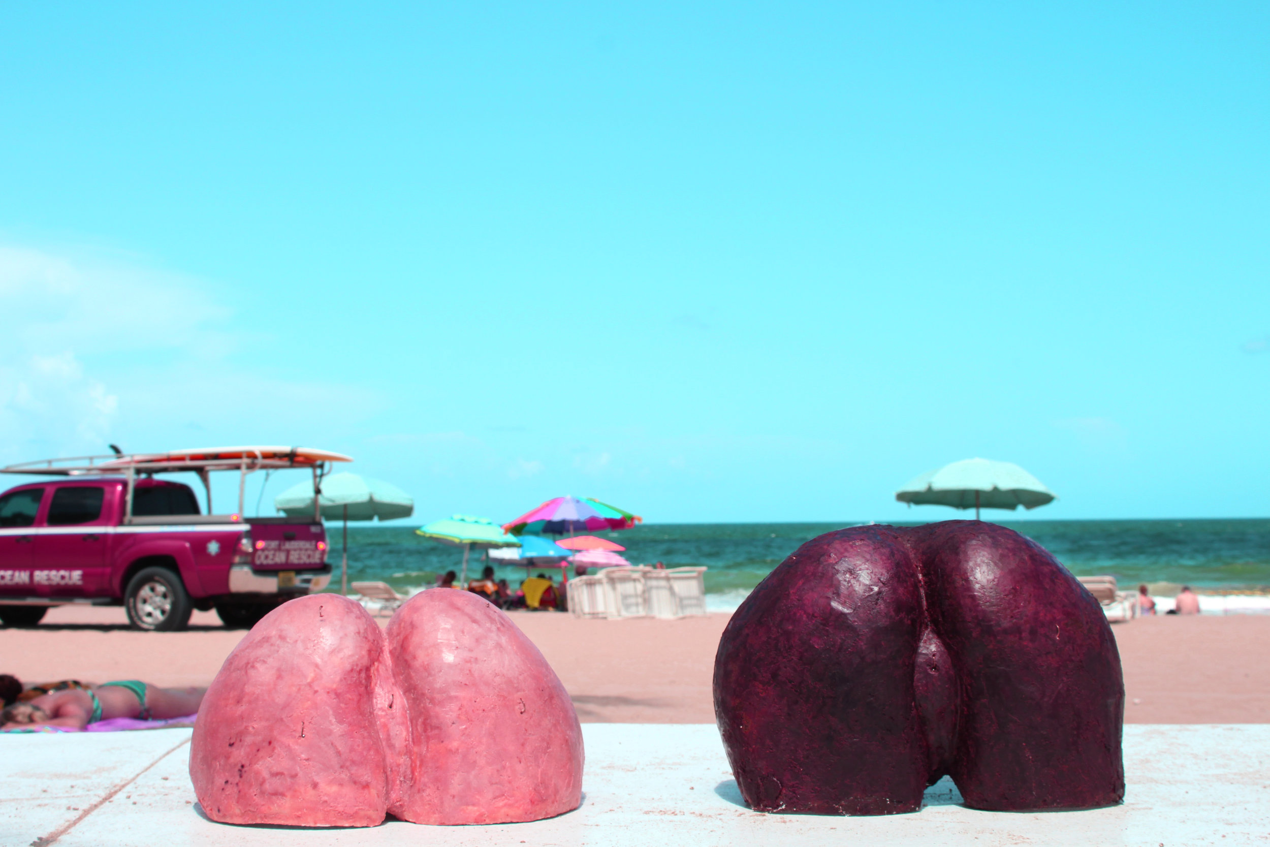 beach_wax_that_ass_sculpture_allison_bouganim_artist_feminism.jpg