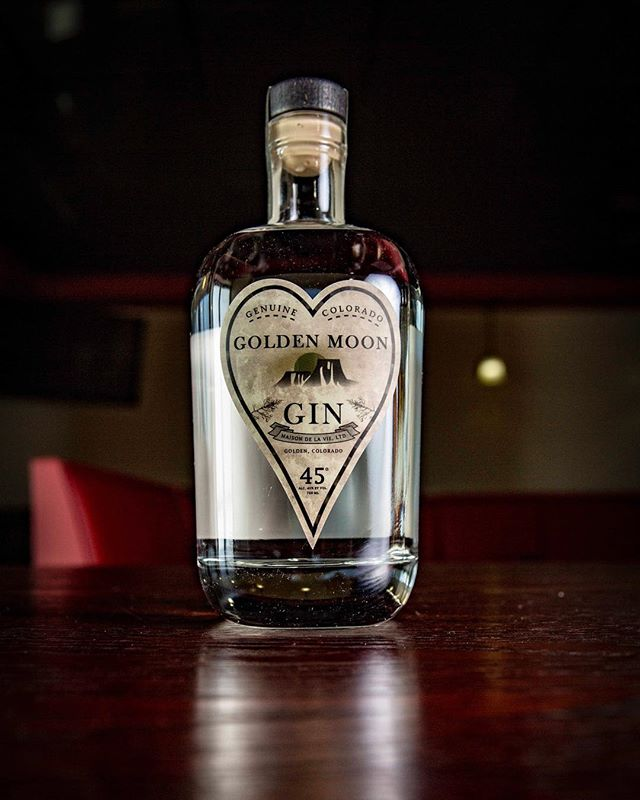 What are you drinking on?! #goldenmoon #gin #drinkytime #coloradolocal