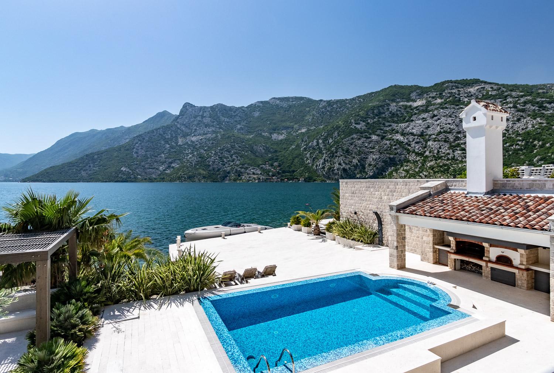 seaside-villa-with-pool-risan-boka-kotorska-Montenegro.JPG