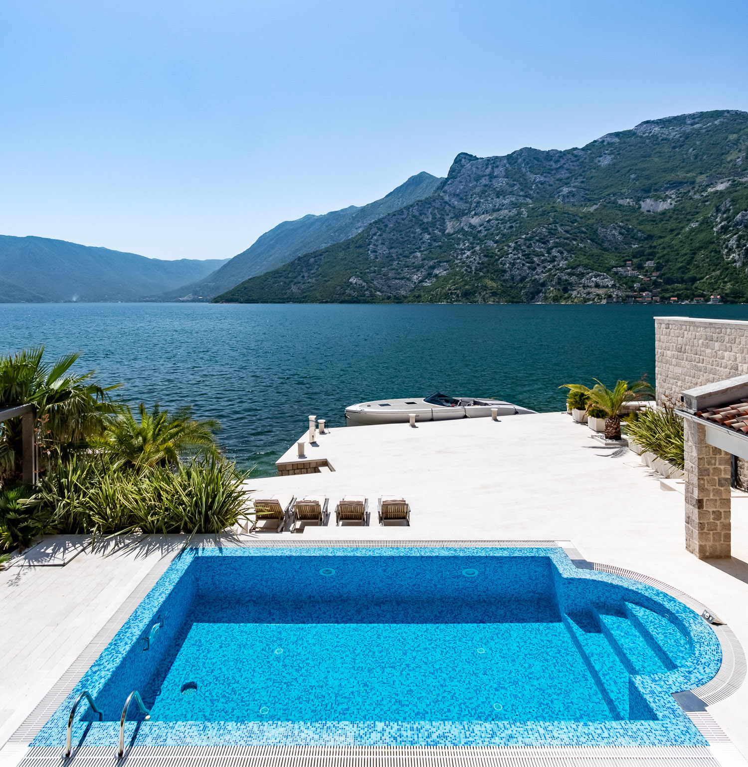 waterfront-house-with-pool-risan-Bay-Of-Kotor-Montenegro-entrance.JPG