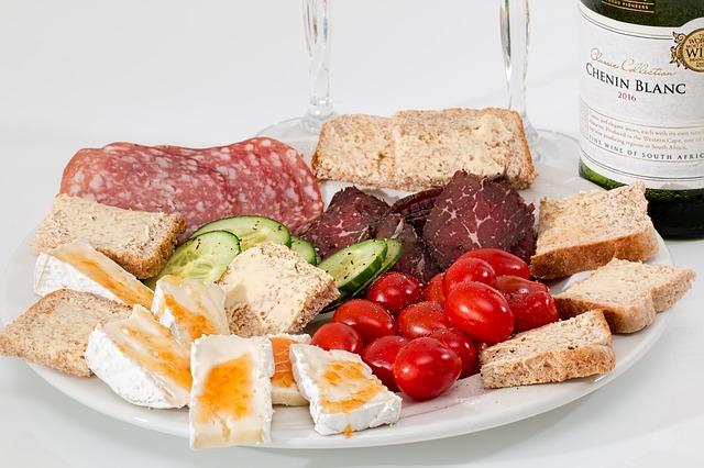 food-platter-2175326_640.jpg