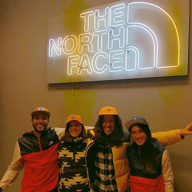 Partenariat avec @thenorthface_climb à venir cet été! Je sais pas si ca parait dans nos faces mais on est ben contents! ☀️// Collab with @thenorthface_climb upcoming this summer! As you can see we are pretty excited about it! 😎 #newgear #outdoors #urban #climbing #nomadbloc #goodvibes #summer #mtl #bouldering #openingsoon #cantwait