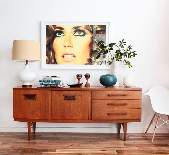 mid-century-modern-furniture-small-table-home-accessories.jpg