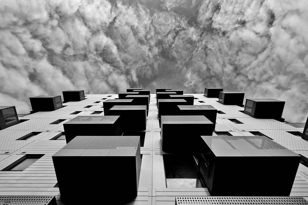 HAS PHOTOGRAPHY SHAPED THE ARCHITECTURAL INDUSTRY?