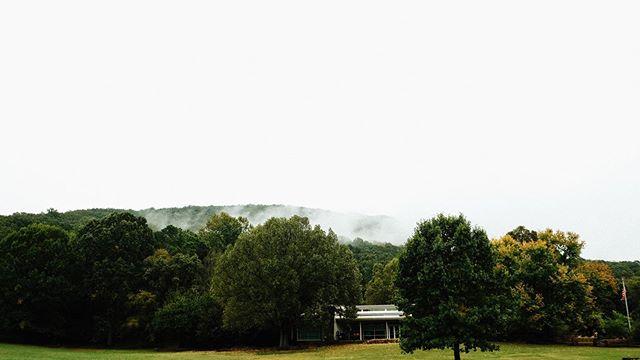 Rainy days and cloudy mountains clouds ☁️ ☁️☁️ - Fuji X-T2 18-55 JPEG + Lightroom
