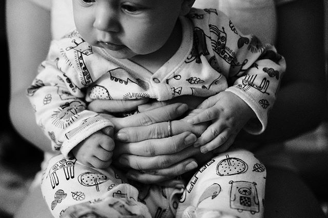 Little hands in little pjs ❤️ - Fujifilm X-T2 35 f/2 SOOC + JPEG Tweak Acros