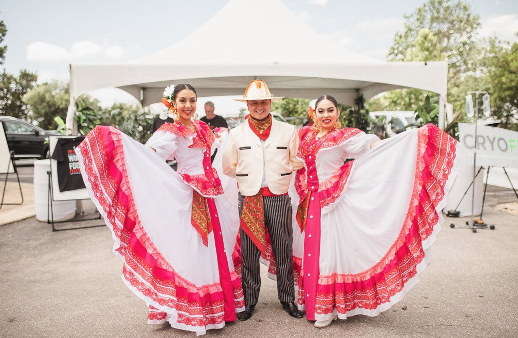 Arte Agave La Cantera Resort & Spa - San Antonio Grand Ballroom 7:00 PM to 10:00 PM | $75 General Admission/$100 At the Door | $125 VIP (Advance Purchase Only, Limited Availability)  Tequila, Tequila, Tequila, amazing food and ART! THAT is the theme of this over the top nod to our neighbors. We're celebrating unique and fine agave spirits + arts + entertainment inspired by the richness of Latino culture. You don't want to miss this very spirited event!