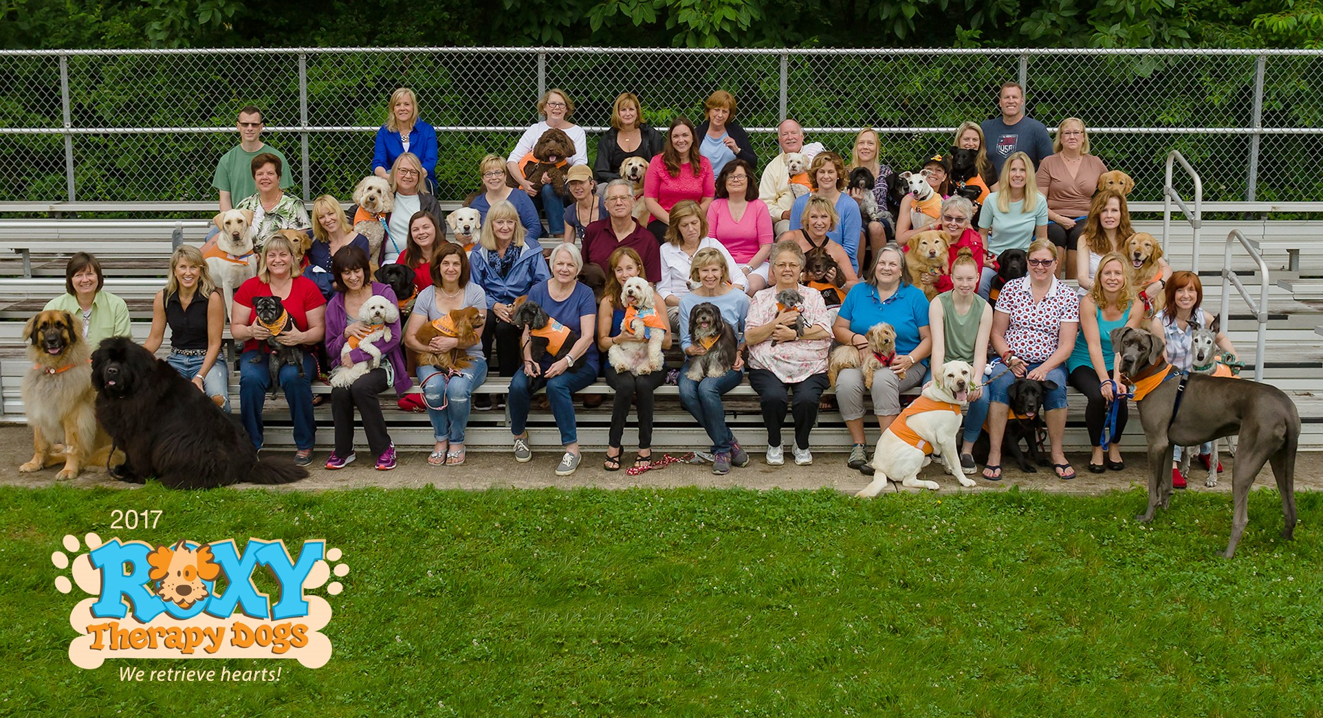2017 Roxy Therapy Dogs Team Photo