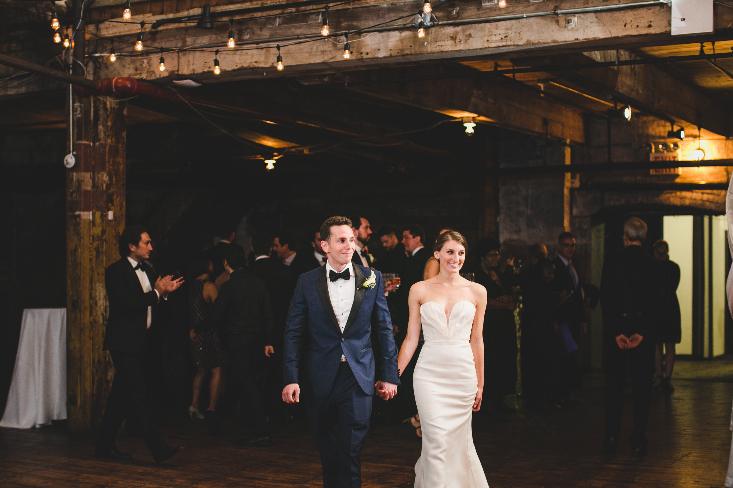 sophisticated-brooklyn-wedding-greenpoint-loft-IG33.jpg