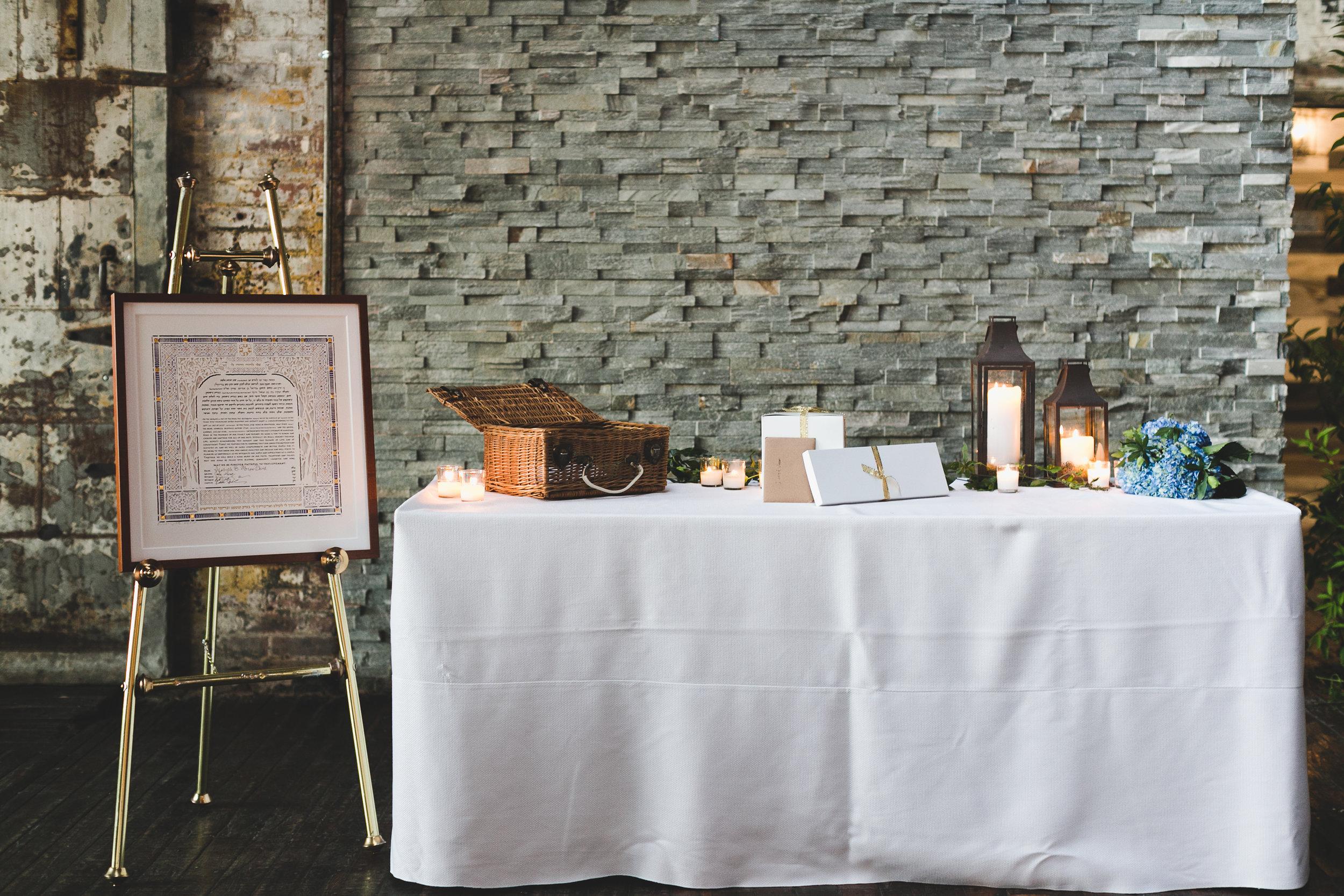 sophisticated-brooklyn-wedding-greenpoint-loft-IG08.jpg
