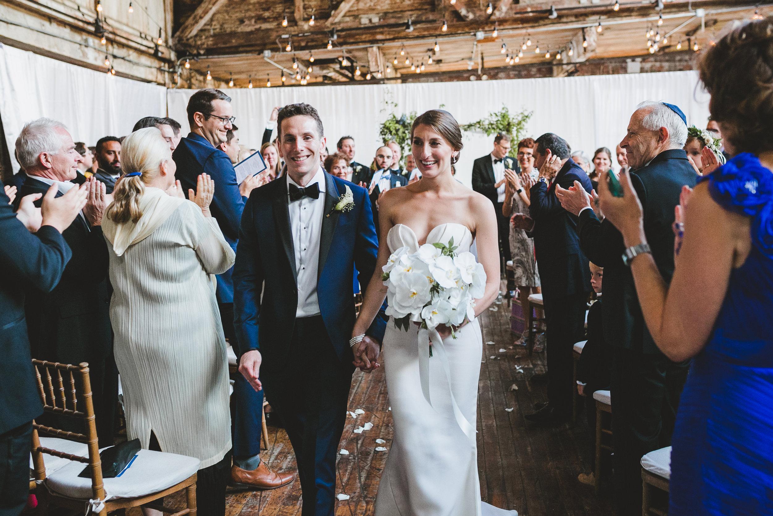 sophisticated-brooklyn-wedding-greenpoint-loft-IG43.jpg
