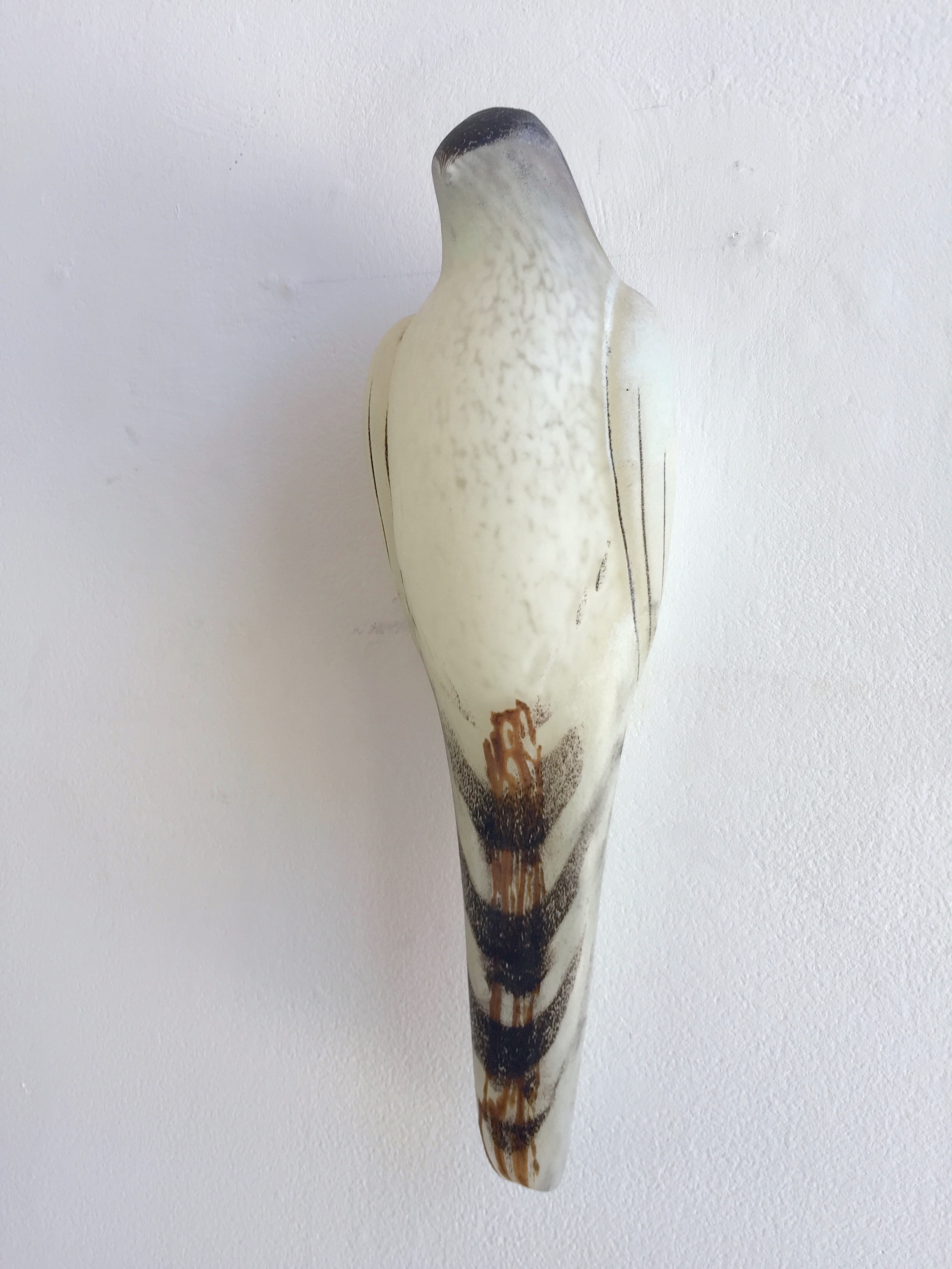 """""""White Lace Bird,"""" 2018   Hand blown pigmented glass  16 x 51⁄2 x 41⁄4 inches"""