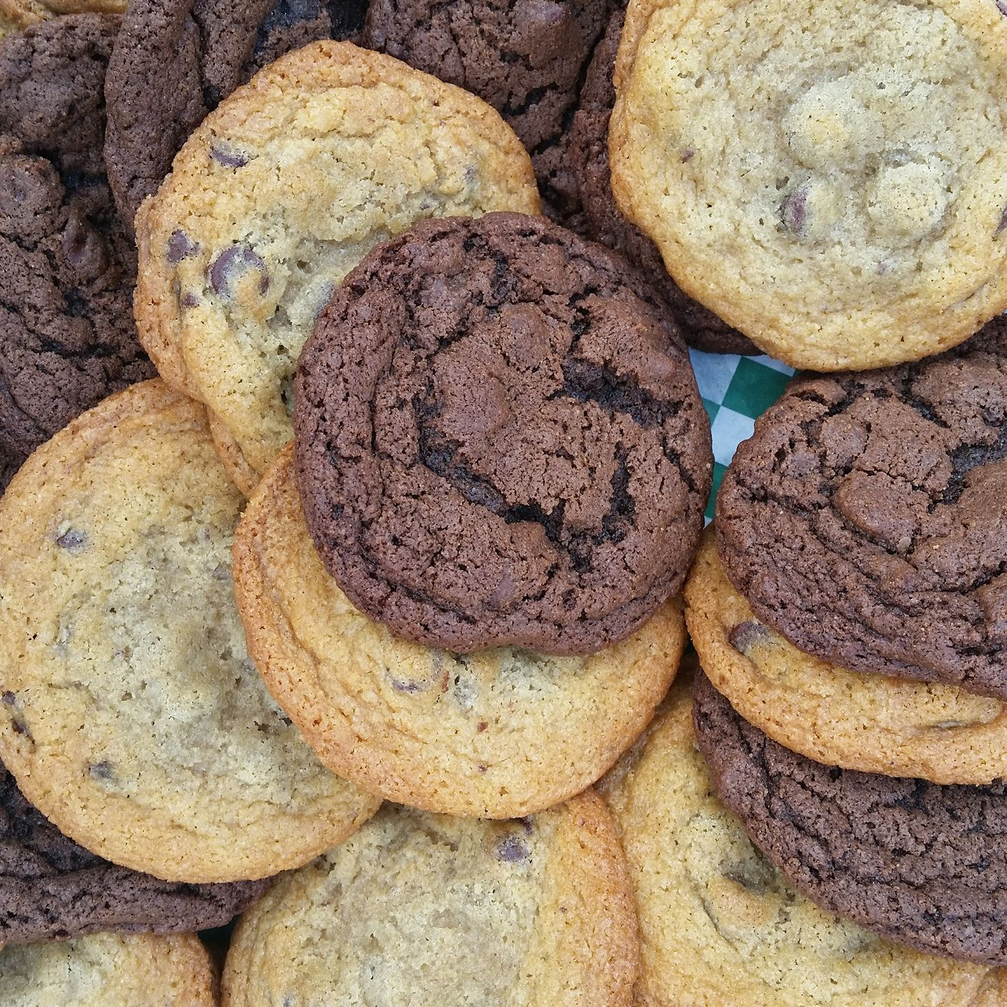 Chocolate Chip and Double Chocolate Chip cookies.