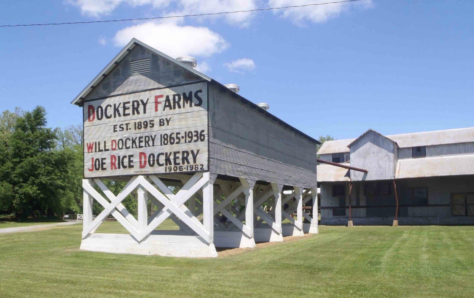 Dockery_Farm-sign-MississippiBluesTravellers-P5012168-1662x1245.jpg
