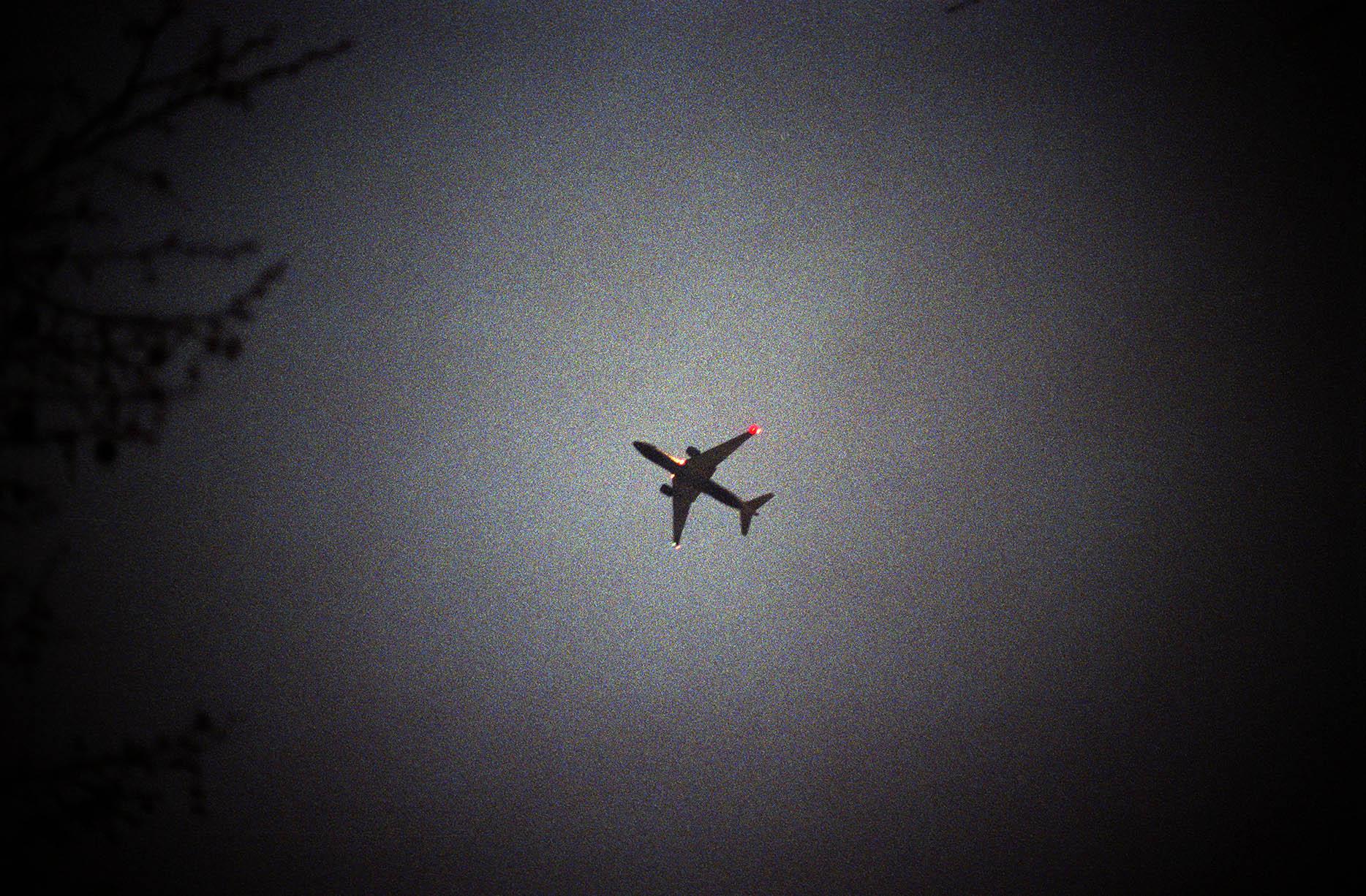 plane_low.jpg