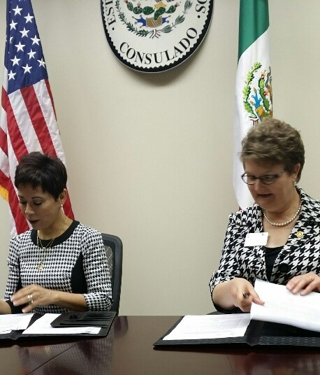 Janeé working with the Mexican Consulate