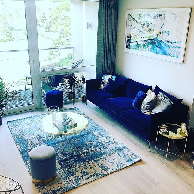 Our Founder Clare has a wealth of experience working with interiors and furniture - she used her styling skills to design and furnish the lounge of her new home! 🛋 #spacesaving #budgeting #weflourish