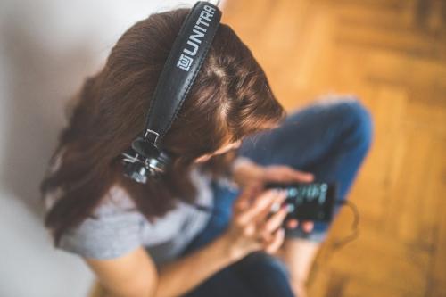 girl-head-headphones-6399 (1).jpg