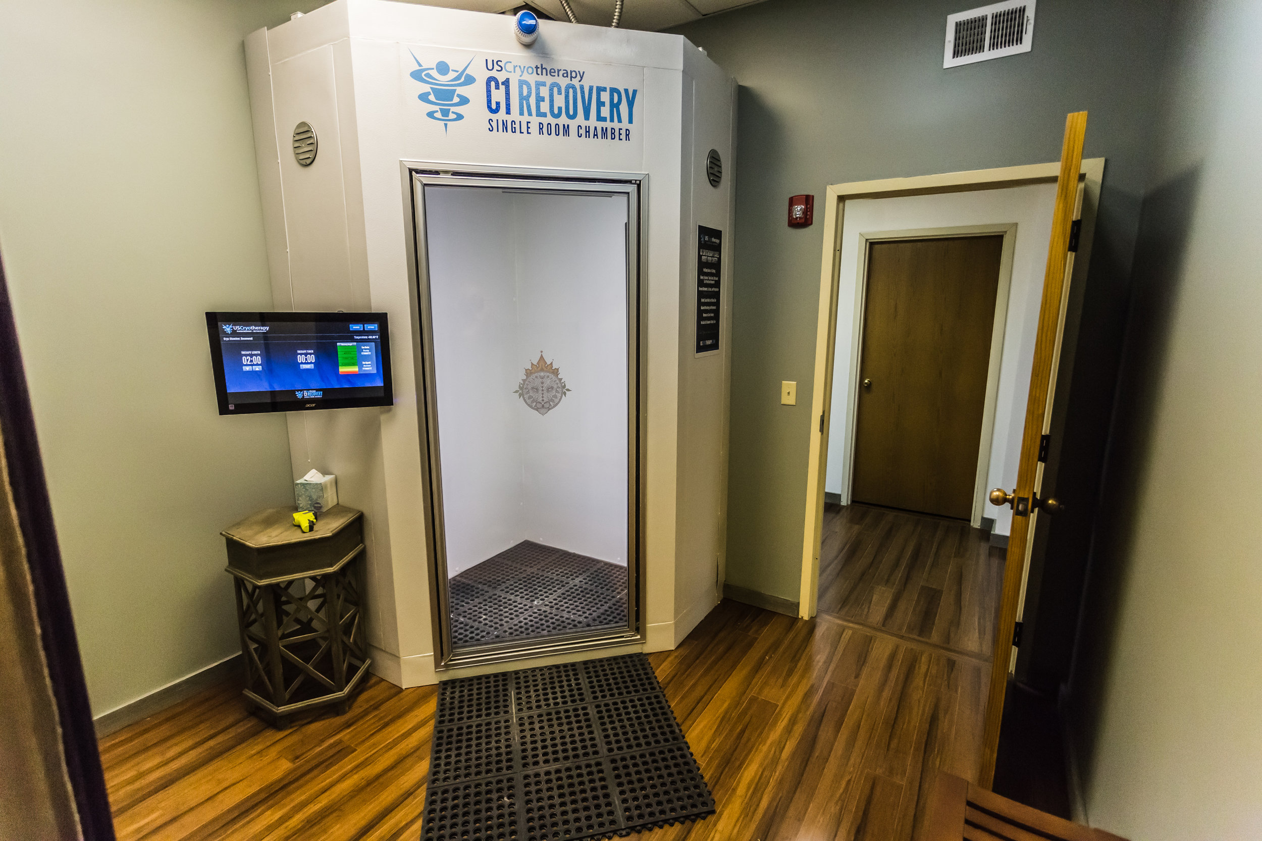 Our chamber is the only one of its kind in the Midwest that is available to the general public! Our chamber does not use Nitrogen as a basis to chill the air, therefore is completely safe and allows the client to fully submerge into the chamber.