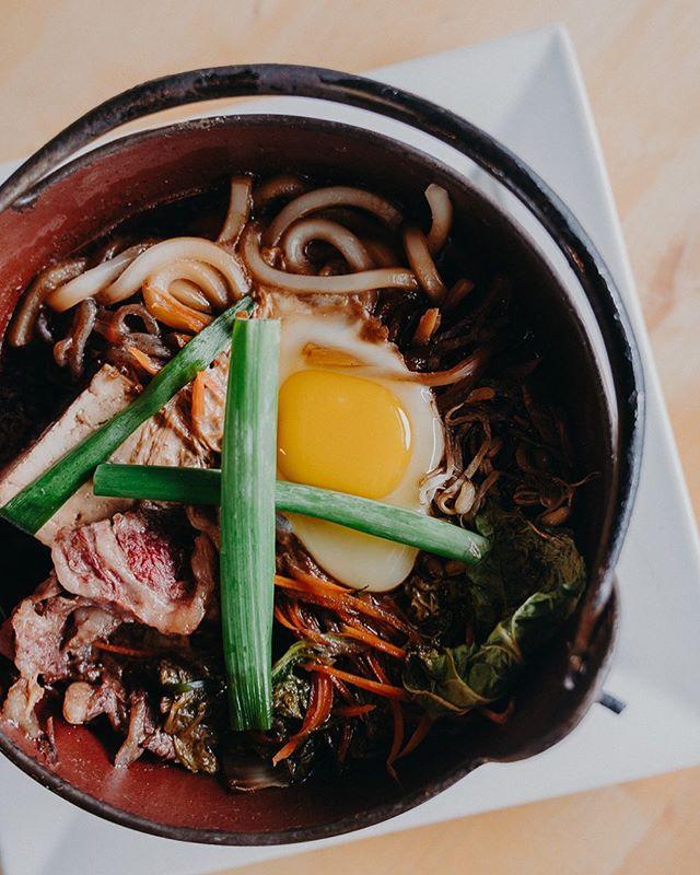 Sukiyaki 🥢 part of the rebrand for Miyo's restaurant in Hilo 🖤 #soniaprimeranophotography . . . . . . #japanesecuisine #bigislandphotographer #foodphotographer #foodstyling #f52grams #ediblehi #bigislandfood #sukiyaki  #foodphotography #feedfeed #ediblehawaii #hawaii #supportlocal #ediblehawaiianislands #hilohawaii #ediblehi #hawaiifoodmagazine #beautifulcuisines #foodandwine #huffposttaste #onthetable #eeeeeats #thekitchn #hautecuisines #eatwellbewell #hilofood #hawaiifoodfinds