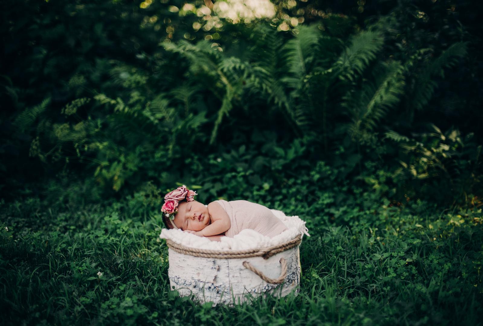 TerraSuraPhotography-Sloane Vasseur Family Newborn-Web-4448.jpg
